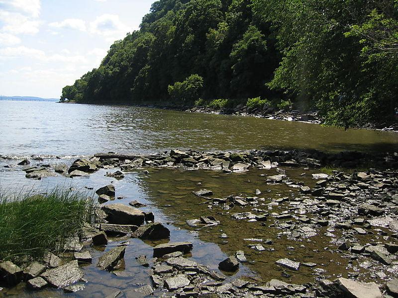 Hudson shore 8-17