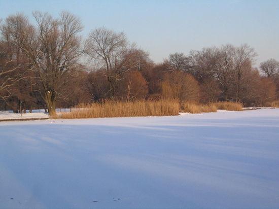 Snowy lake 1-20