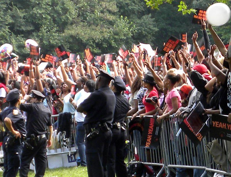 MJ crowd