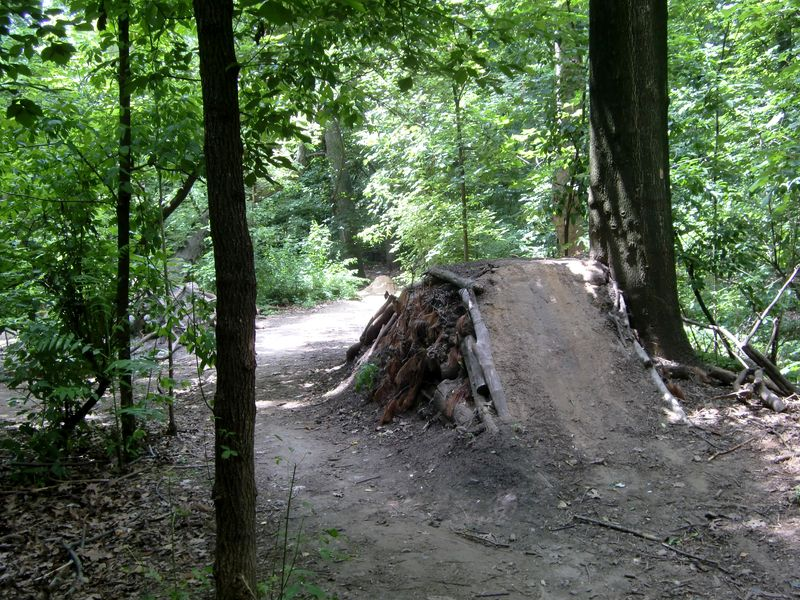 Dirt bike track 1 6-28