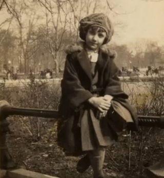 Esplanade antiq girl