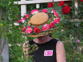 Hat rosey