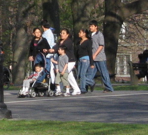 Hispanic_family_422